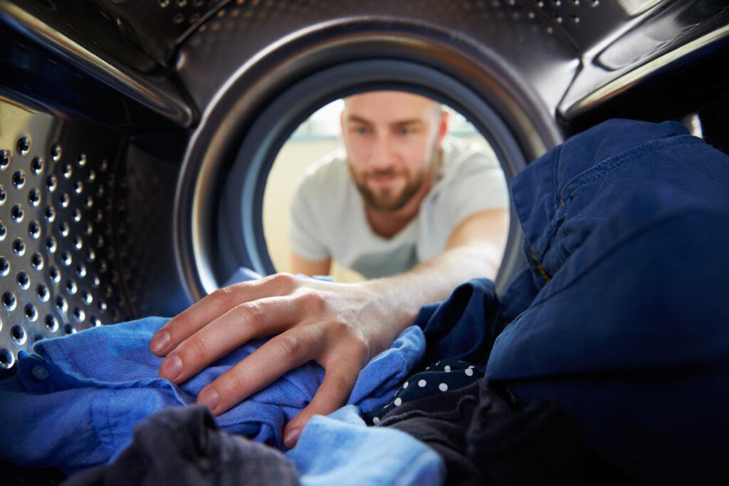 Spara energi vid rätt tillfälle. Ett sätt är att förskjuta tvättiderna.